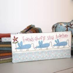 Friends in a Row - Cartamodello Stitchery per Astuccio Porta Matite con Zip, The BirdHouse by Natalie Bird