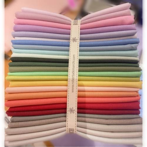 Bundle Arcobaleno con 25 Fat Quarter Multicolore
