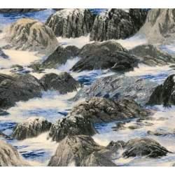 Wilmington Prints Wind and Waves by Douglas Laird, Tessuto Azzurro Grigio Paesaggio con Roccia e Acqua