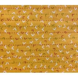Moda Fabrics Noteworthy by Sweetwater, Tessuto Arancione con Trattini e Virgolette colorate