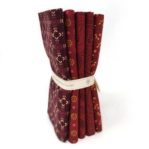 5 Fat Quarter 50 x 55 cm Rosso Bordeaux, Gratitude & Grace by Kim Diehl
