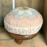 Count Your Blessing - Base in legno e Kit di Tessuti per Puntaspilli